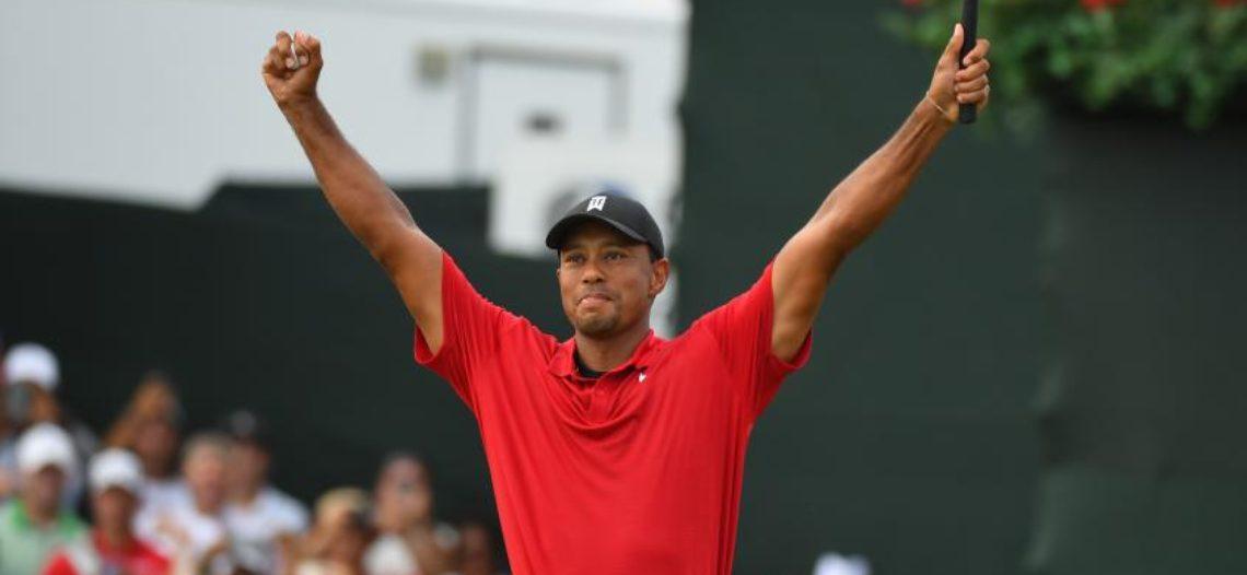 Tiger Woods consigue primer título después de cinco años