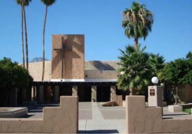 Iglesia en Tucson recibe a familias migrantes liberadas
