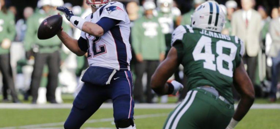 En histórica tarde de Brady, Patriots superan 27-13 a Jets