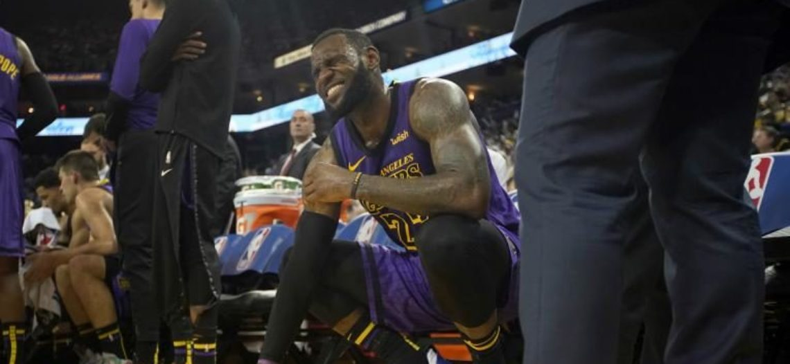 Pese a lesión de LeBron James, Lakers apalean a Warriors