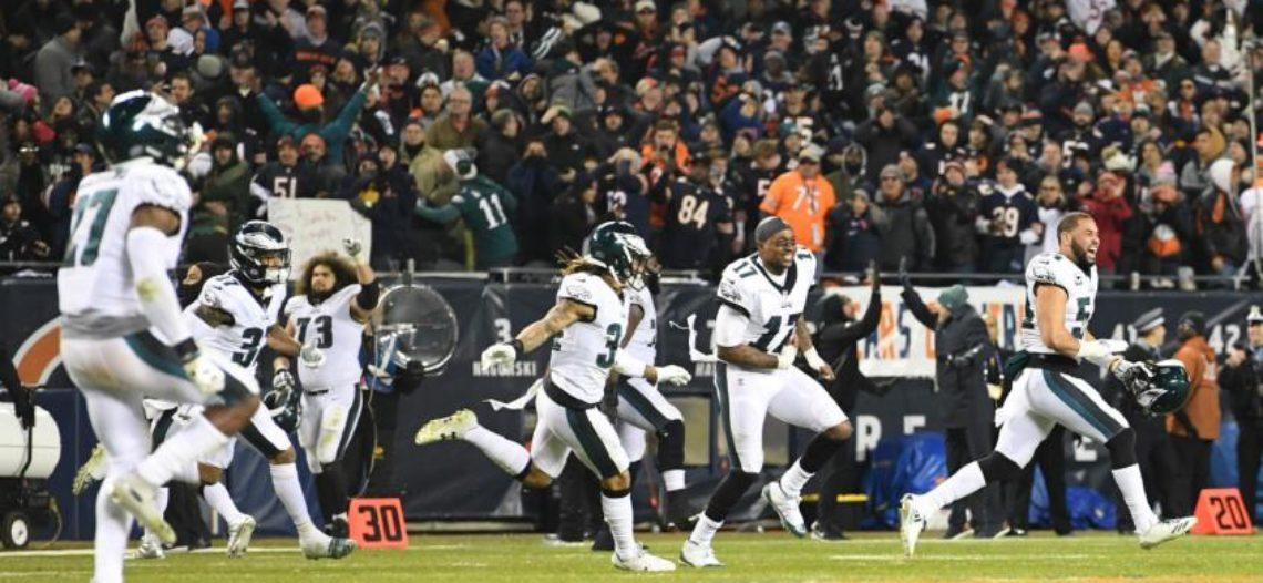 Foles lidera victoria de Eagles sobre Bears con final más que cardíaco