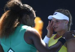 """No llores"": Serena Williams consuela a rival en Australia"