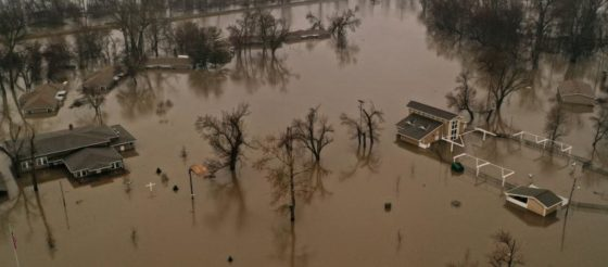 La primavera comienza con inundaciones históricas en el centro del país