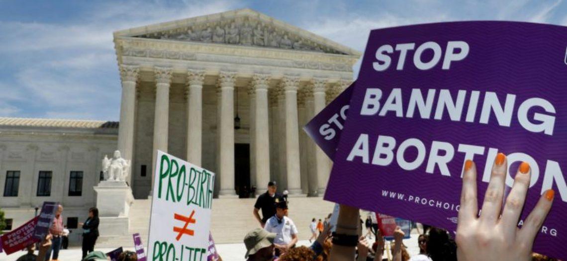 Corte Suprema deja bloqueada restricción del aborto en Indiana