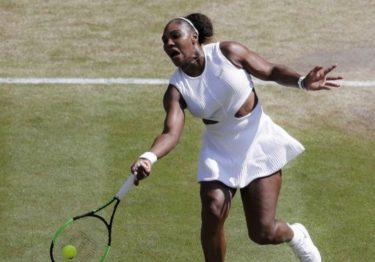 Serena Williams y Simona Halep avanzan a final de Wimbledon