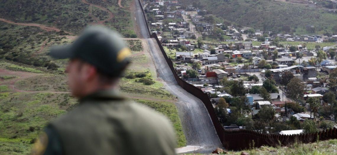 Jueza federal bloquea detención de solicitantes de asilo
