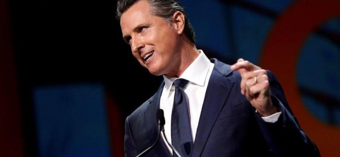 Gobernador de California dará Medicaid a inmigrantes indocumentados