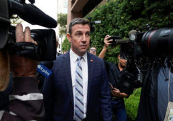 Legislador republicano Duncan Hunter admite malversación de fondos
