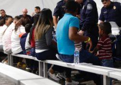 """Gobierno de Trump amplia """"Esperar en México"""" y envía a a solicitantes a Nogales"""