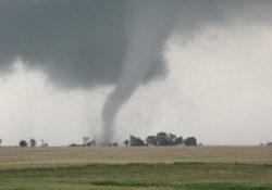 Tornados e inundaciones amenazan sur de EEUU